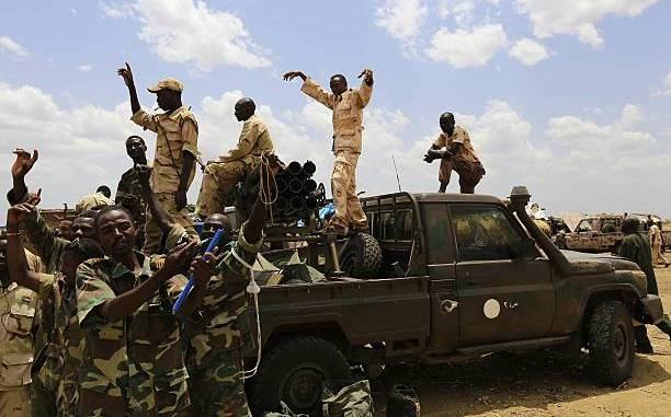 عناصر من القوات المسلحة السودانية