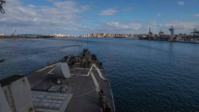 لقطة من زيارة السفينتين الأميركيتين إلى قاعدة الإسكندرية البحرية يومي 16-18 كانون الثاتي/يناير 2018 (بوابة الدفاع المصرية)