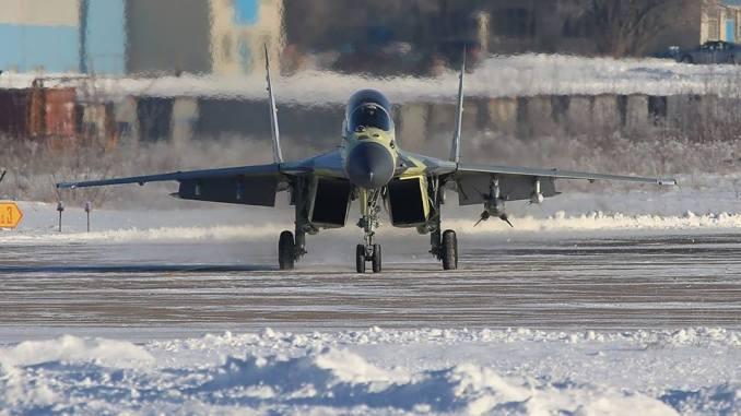 """مقاتلة """"ميغ-29 أم"""" المصرية في موسكو (بوابة الدفاع المصرية)"""