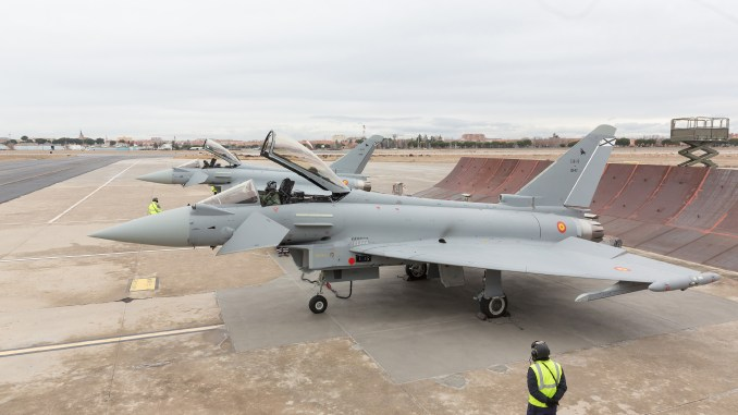 """مقاتلتا """"يوروفايتر تايفون"""" لسلاح الجو الإسباني خلال حفل التسليم (Airbus Defence and Space)"""