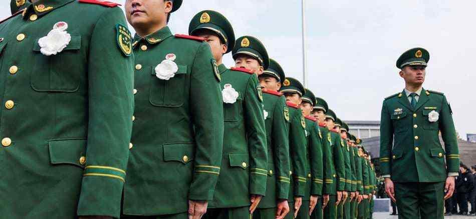 عناصر من القوات المسلحة الصينية