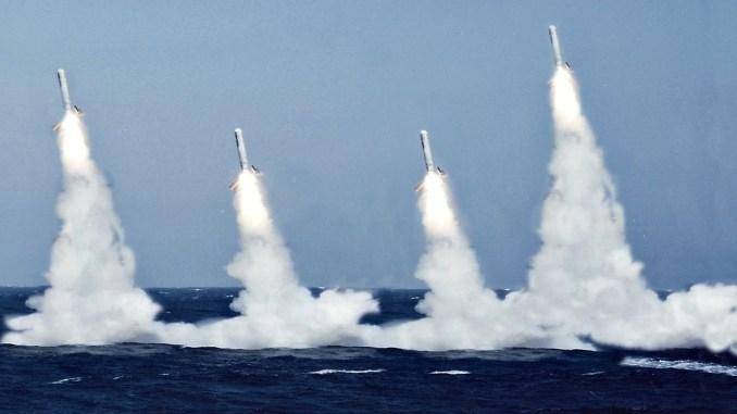 """عملية إطلاق صواريخ """"توماهوك"""" الأميركية من البحر"""