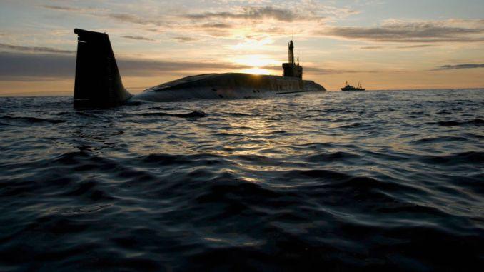 الغواصة النووية مشروع 955 يوري دولغوروكي خلال مهمة في صيف 2009 (وكالة سبوتنيك)