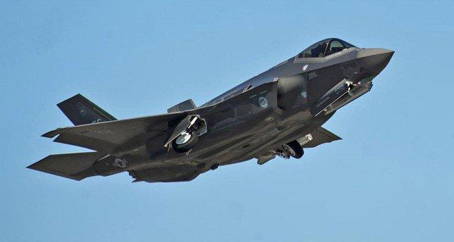 مقاتلة من طراز F-35