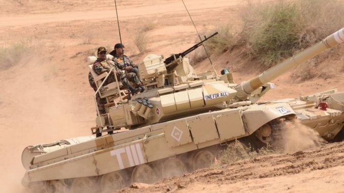 دبابات تي-90إس من مناورات هندية في أيار/ مايو 2018