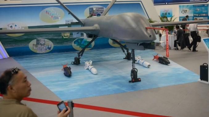 طائرة CH-4 الصينية غير المأهولة خلال عرض ثابت في معرض بكين الدولي للطيران، في بكين في 26 أيول/سبتمبر 2013 (AFP)