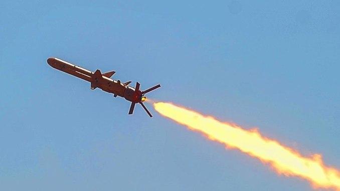 """لقطة لعملية إطلاق صاروخ كروز """"نيبتون"""" الأوكراني من نطاق التدريب في جنوب منطقة أوديسا في 17 آب/أغسطس عام 2018 (مجلس الدفاع والأمن الوطني الأوكراني)"""
