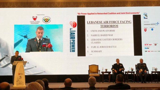 قائد سلاح الجو اللبناني العميد الركن زياد هيكل خلال مشاركته في مؤتمر المنامة الثاني للقوة الجوية في 13 تشرين الثاني/ نوفمبر