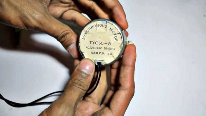 Генератор на 500 В у тебя в кармане Тестируем двигатель от микроволновки