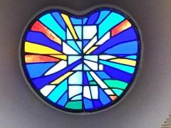 東京桜町病院聖堂のステンドグラス