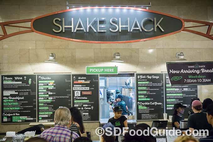 近几年异军突起的Shake Shack。