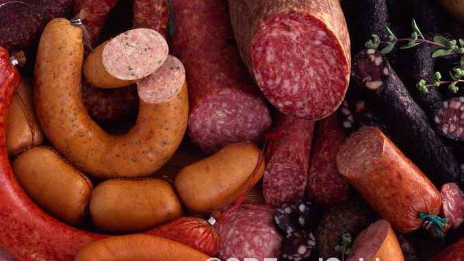 香肠是德国从日常到节庆的必备美食,品种多到数不过来。