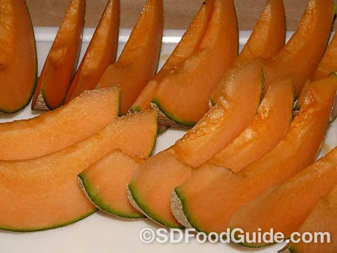 哈密瓜和其他深黄色水果一样,含有丰富的抗氧化物质