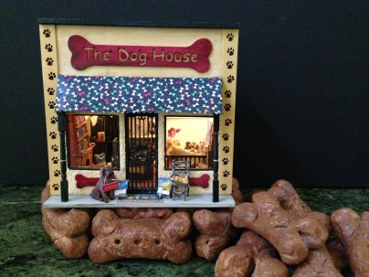 The Dog House, Leslie Hopwood