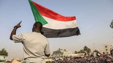 """السودان يعيش """"دستورا متبدلا"""" منذ الاستقلال قبل 64 عاما"""