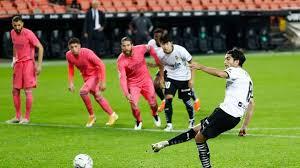 ريال مدريد يتلقى هزيمة ثقيلة على يد فالنسيا بالليغا