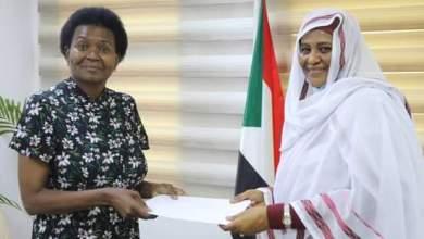 وزيرة الخارجية تتسلم نسخة من اوراق اعتماد سفيرة جنوب افريقيا