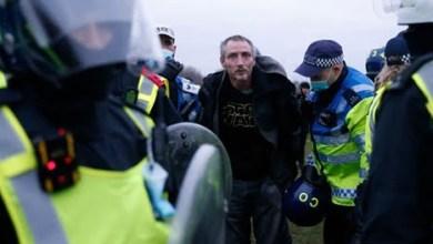 احتجاجات ببريطانيا وألمانيا بسبب كورونا.. عنف واعتقالات (شاهد)