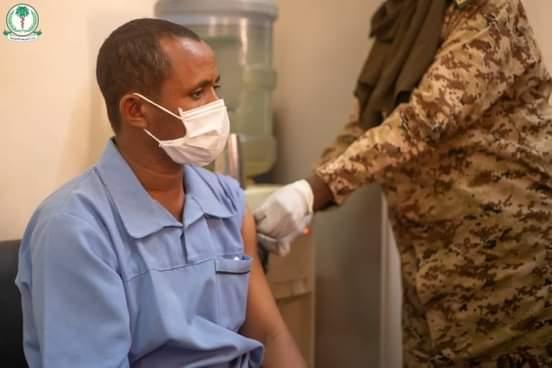 الصحة الاتحادية تدشن حملة تطعيم الكوادر الصحية بالمستشفيات