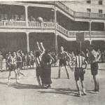 1941-05-31 partido en el patio del Col. Santiago Apostol01