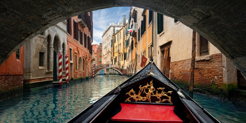 Venice Gondola under Bridge (C) Lee Sie Photography