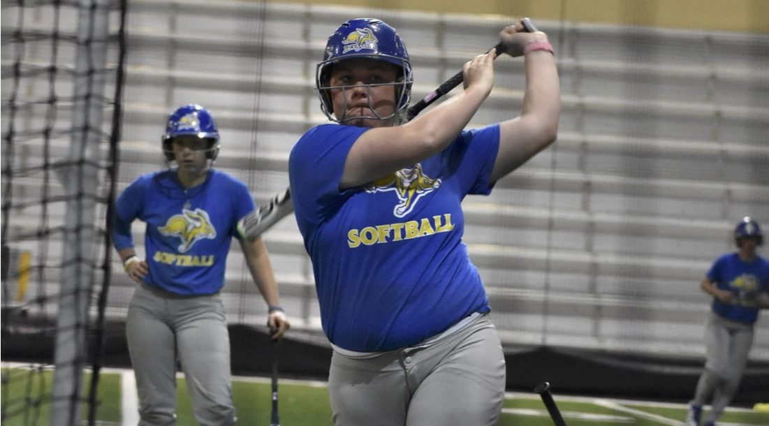 ABBY FULLENKAMP Paige Gerdes (16) during batting practice in the spring at the SJAC.