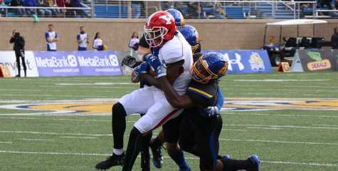 Jacks ice Youngstown Penguins on Hobo Day game