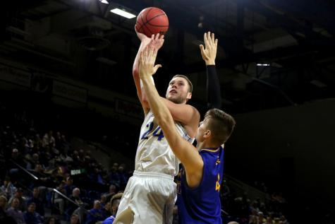 Jacks advance in conference play after Oral Roberts win