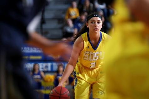 Jacks prepare for Summit League newcomers UND
