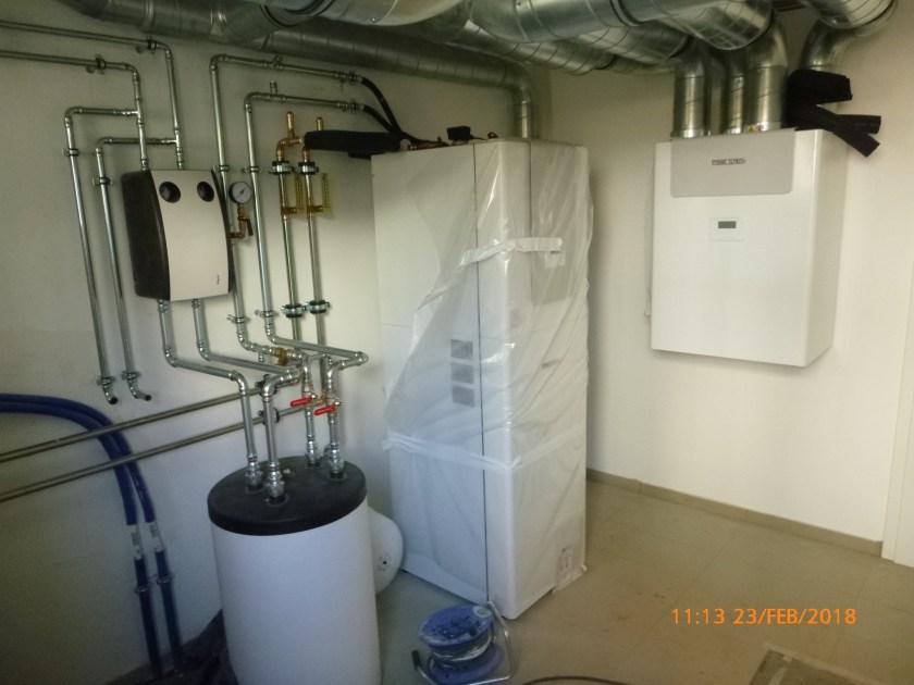 Wärmepumpe und Lüftungsanlage mit Wärmerückgewinnung in eine Passivhaus.