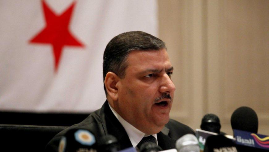 """رياض حجاب يدعو لـ""""تجديد الدماء"""" في مؤسسات المعارضة"""