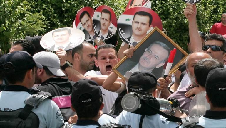 بالوثائق: سفارات النظام تراقب السوريين في الخارج..وتقارير للمخابرات العسكرية!