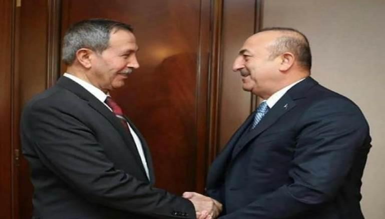 من يقف خلف الدعوة لمؤتمر وطني سوري في تركيا؟