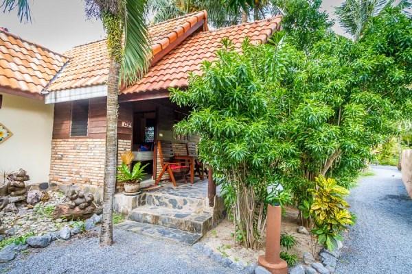 Deluxe Bungalow - Laguna Beach Club Resort - Koh Lanta