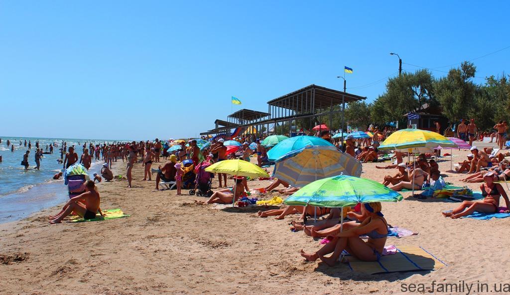 на пляжах Арабатской стрелки