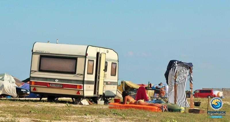 """Автокемпинг на Арабатской стрелке: отдыхаем у моря в """"доме на колесах"""""""