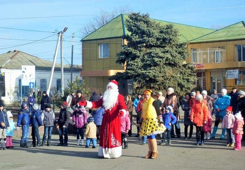 Новогодняя елка в Геническе