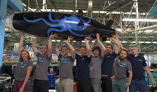 Biomimetic Propulsion System Powers Record-Breaking Submarine
