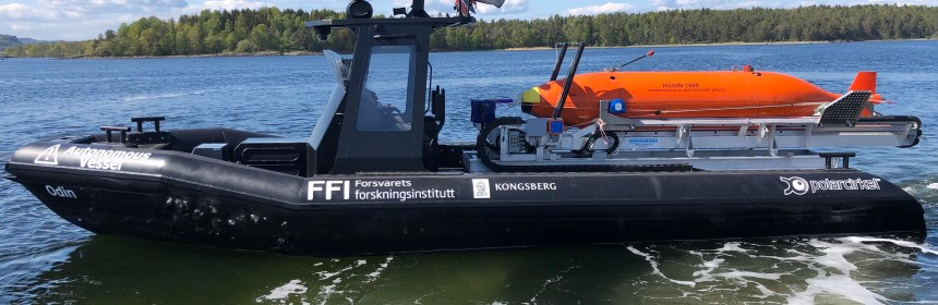 The Henriksen AUV launch system being used aboard an autonomous RIB