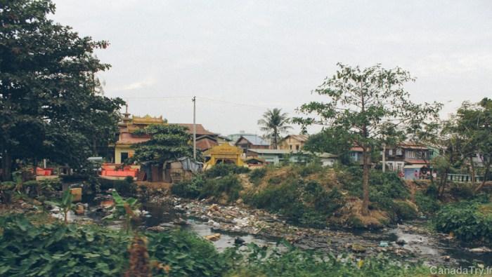 village pollution birmanie