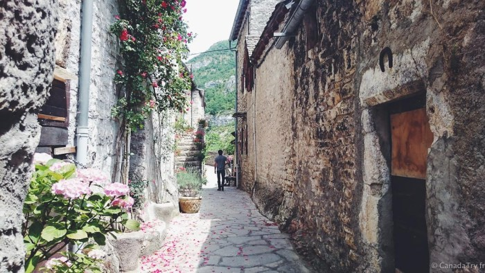 rue de La Malène dans les groges du tarn
