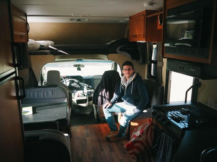 intérieur camping-car C25
