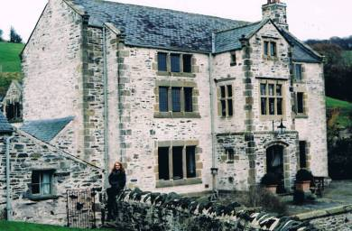 the chirk manor house
