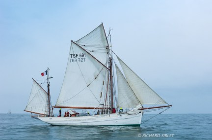The French Gaff Yawl 'Mutin' on the start line Antwerp 2010