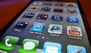 Stock your mobile with the top apps for community managers.