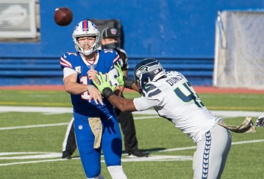 Seahawks DE Carlos Dunlap planning to play in Week 15 vs ...