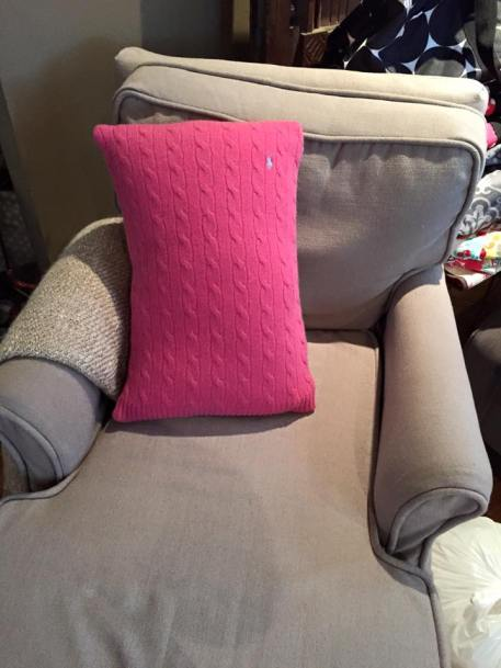 The chaise with a pop of fuchsia cashmere originally Polo sweater 2015