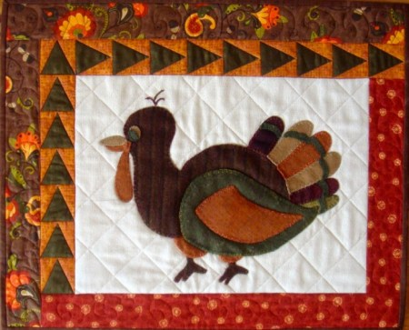 Holiday Quilting Pattern Parade: 5 Holiday Quilts + a Quilting Giveaway