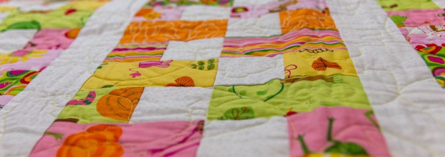 Favorite Spring Quilts, featured by top US quilting blog, Seams Lie a Dream Quilt Design