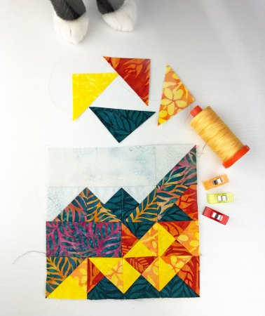 Top US quilting blog and shop, Seams Like a Dream Quilt Designs, shares her Vermont state quilt block!